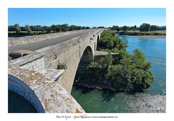 Pont St Esprit - Vallée du Rhône - Gard © Nicolas GIRAUD