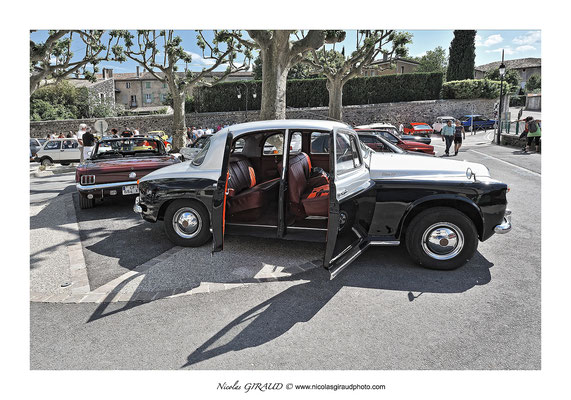 Rassemblement voitures historiques © Nicolas GIRAUD