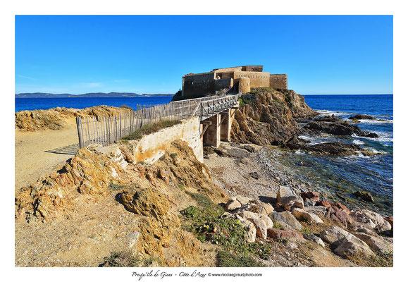 La Tour Fondu - Presqu'île de Giens - Côte d'Azur © Nicolas GIRAUD