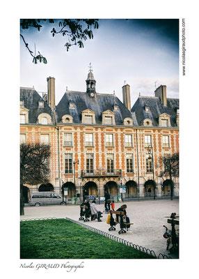 Paris Place des Vosges © Nicolas GIRAUD