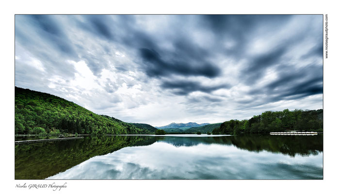 Lac Chambon - P.N.R. des Monts Auvergne © Nicolas GIRAUD