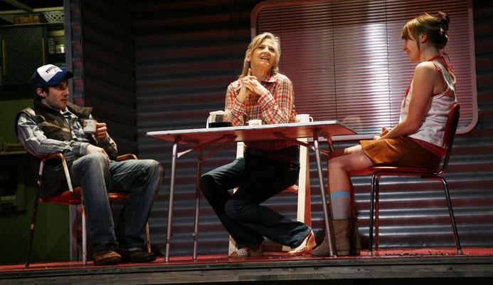 """mit Barbara Grimm und Margit Maria Bauer in """"Die Glasmenagerie"""""""