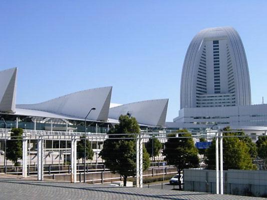神奈川県横浜市(みなとみらい) ; 2001年11月設置 ; ワイヤーテンド