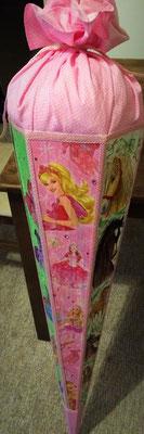 und die Barby-Seite. Serviettentechnik, Acrylfarbe und Verschnitt vom Kleid ;)