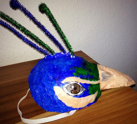 Pfauenmaske für die Vogelhochzeit
