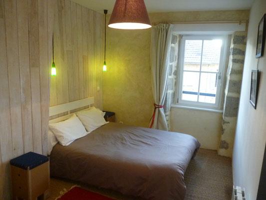 Chambre 1 avec lit double 140 x 200