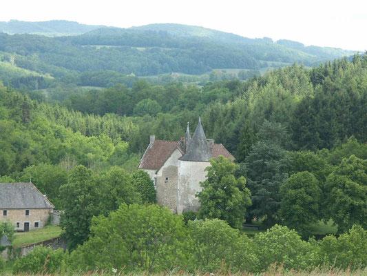 Le château de Fournoux, dans le bas de la vallée