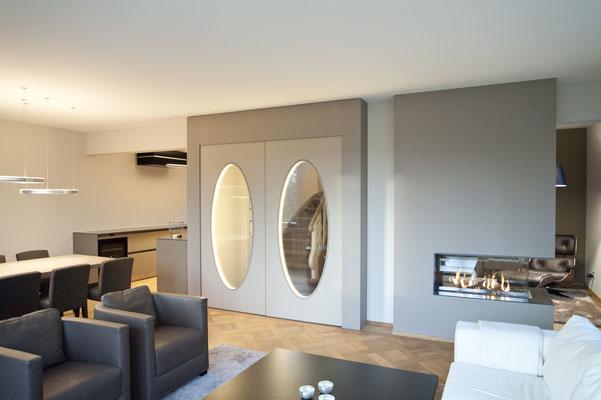 Wohnzimmer, Esszimmer, Doppeltüre, offene Küche, Bulthaup, Kamin, Cheminee, Parkett, Kassettenparkett