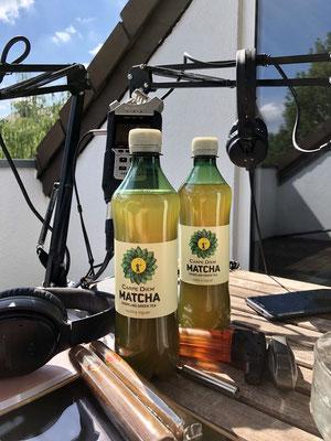 Wir genießen Carpe Diem Matcha Sparkling Green Tea und eine Don Marco - Zigarre im Männerquatsch Podcast #25 (1 Jahr Männerquatsch, Ready Player One, Mega Drive Mini)