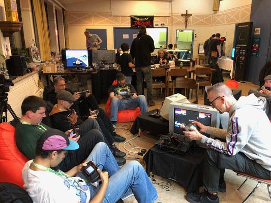"Atari Lynx Checkered Flag Turnier, Männerquatsch Podcast [Bonusfolge #06] Ausflug: European Atari Jaguar Festival ""ejagfest 2018"""