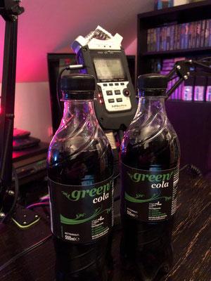 Wir genießen Green Cola im Männerquatsch Podcast #24 (Toys R Us Insolvenz, Ataribox Neuigkeiten, Jeff Minters Gridrunner für Jaguar)