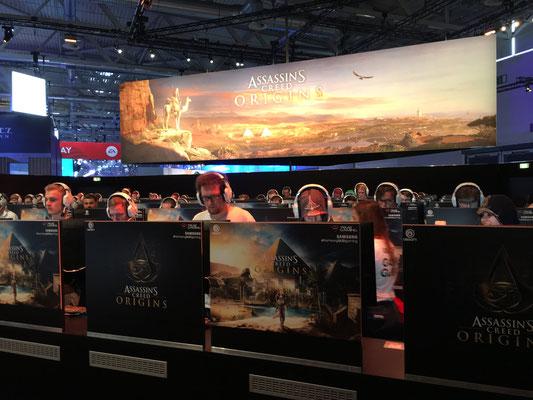 Ubisoft-Stand, Männerquatsch Podcast #09 (Ausflug: Gamescom 2017)