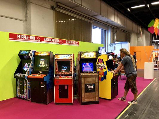 Flipper- und Arcademuseum Seligenstadt und Retrokram, Männerquatsch Podcast [Sonderfolge #04] Gamescom 2018: Der Retro Rundgang mit allen Ausstellern.