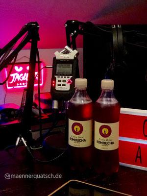 Wir genießen Carpe Diem Kombucha Classic in Männerquatsch Podcast #38 (Ausflug: ejagfest 2018, BlizzCon, Amico, Mega Sg)