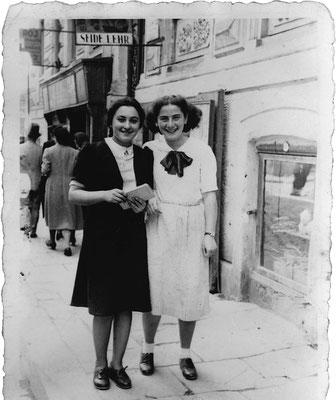 Selma Meerbaum - Eisinger und ihre Freundin Else Schächter beim Spaziergang im rumänischen Czernowitz  ( Mai 1940 )