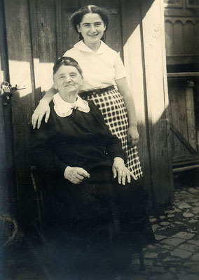 Selma Meerbaum - Eisinger With Her Grandmother