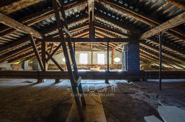 Interno - Attico da ristrutturare in vendita a Cortina d'Ampezzo