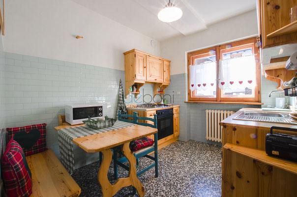Cucina - Appartamento in affitto a Cadin, Cortina d'Ampezzo