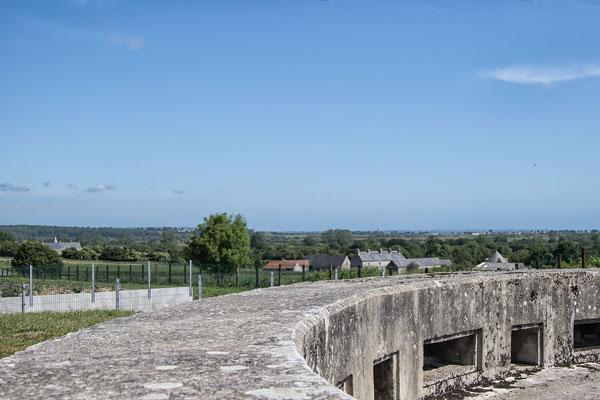 Blick von der Batterie de Crisbecq auf die See nach Saint-Vaast-la-Hague.