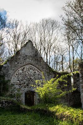 Kirchenruine am Mont Castre