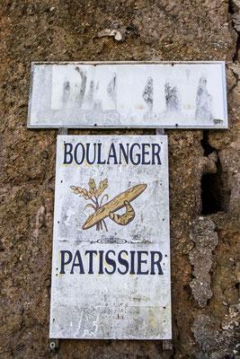 Auch das gehört zu den Landschaft der Marais: Einsame Orte und Wände aus Lehmputz.