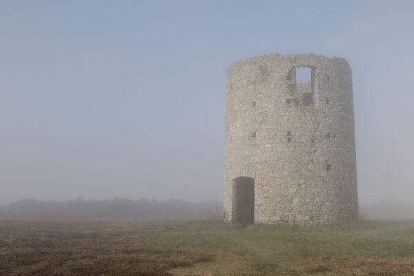 Die ehemalige Mühle – Nebelstimmung im Winter am Mont Doville