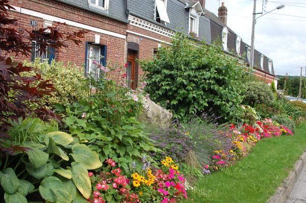Der Blumenschmuck der Stadt Eu brachte ihr 4 Blumen ein.  Foto: Villes et Villages Fleuris.