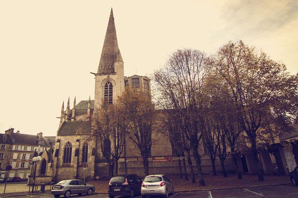 Die Kirche Saint Malo, die im Juni 1944 großteils durch amerikanische Luftangriffe zerstört wurde.