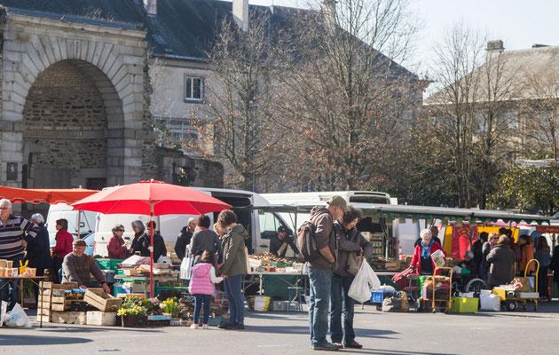 Der Markt in Saint Lô ist ein beliebter Treffpunkt und gilt als einer der schönsten der Manche.