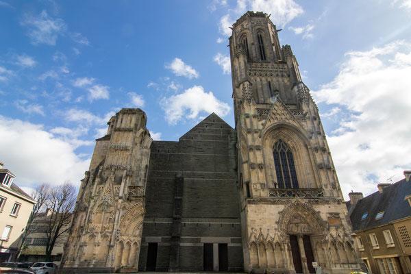 Die Kathedrale Notre-Dame ist bis heute eine schlecht verheilte Wunde im Herzen der Stadt.