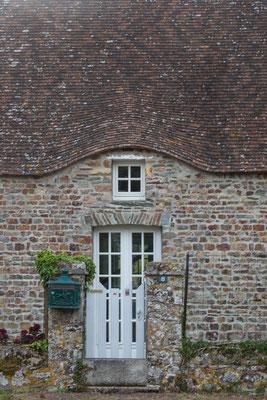 Ein typisches Steinhaus – bis vor dem Zweiten Weltkrieg waren diese auf dem Cotentin reetgedeckt.