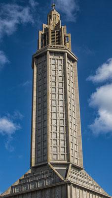 Weithin sichtbares Wahrzeichen: Der Kirchturm von St. Joseph.