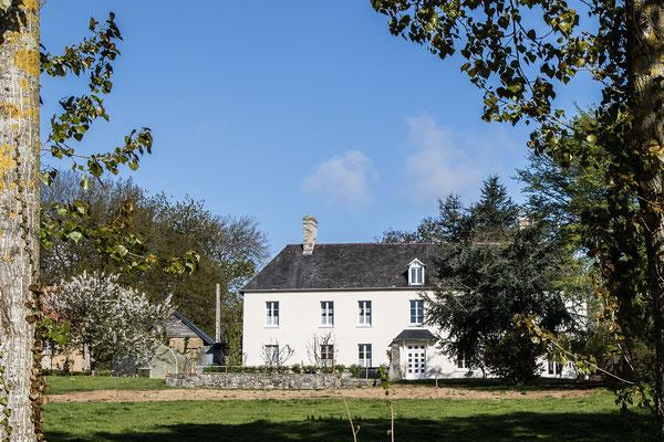 Ein Hof auf der Wanderung bei Feugères