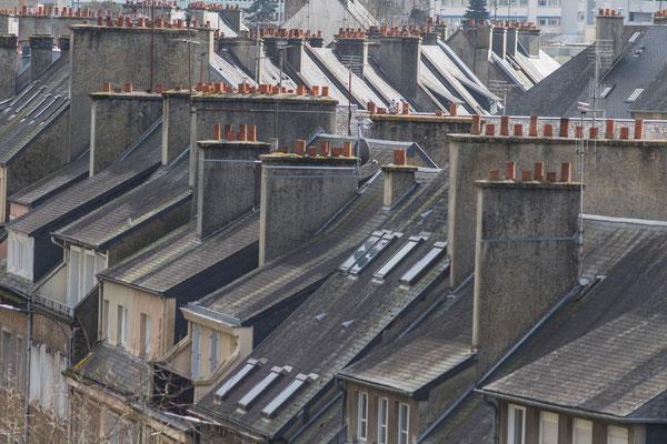 Von oben bieten sich Euch interessante Einblicke in die Straßenzüge von Saint Lô.