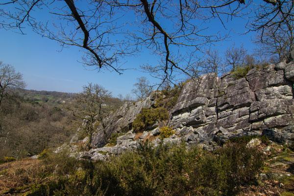 Die Felsen der Fosse Arthour eignen sich gut zum Klettern und sind wirklich beeindruckend.