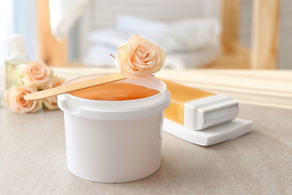 Sanfte Haarentfernung mit Sugaring im Kosmetikstudio Hautnah in Leun
