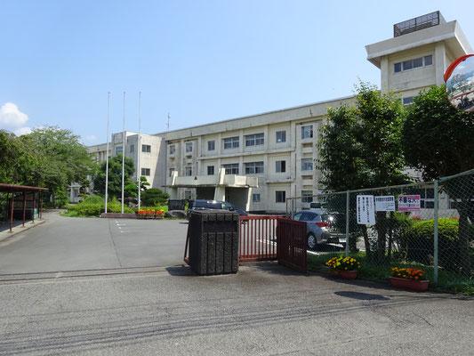 裾野市立富岡中学校まで約1.4km