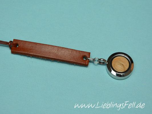 Autospiegelanhänger mit kleinem Edelstahlamulett (2cm) und Leder (auch in schwarz möglich) - 49€ - (Bild D3)