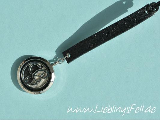Autospiegelanhänger mit großem Edelstahlamulett (3cm) und Leder (auch in braun oder cognac möglich) - 59€ - (Bild D5)
