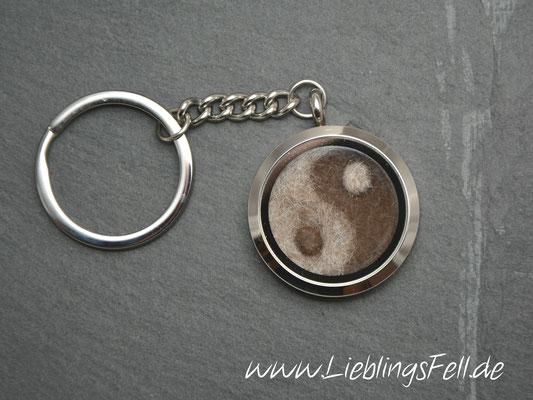 """Schlüsselanhänger mit Edelstahl-Amulett """"Yin Yang"""" (3 cm) mit glattem Rand (auch mit diamantiertem Rand auf einer Seite möglich) - 69€ - (Bild D2)"""