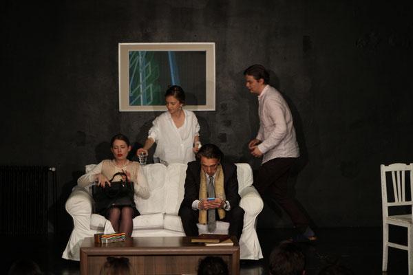 """""""Der Gott des Gemetzels"""" / Studiobühne Krauss / Regie: Paola Aguilera"""