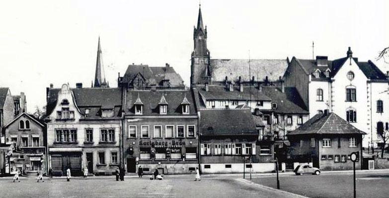 Dudweiler Marktplatz in den 1950er Jahren