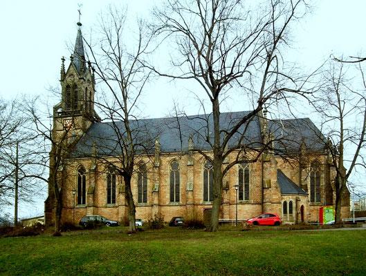Dudweiler, Kirche, St. Marien, Seitenansicht