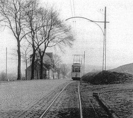 Dudweiler um 1950, damalige Saarbrücker Straße, heute Sulzbachtalstraße, Wilhelmshöhe