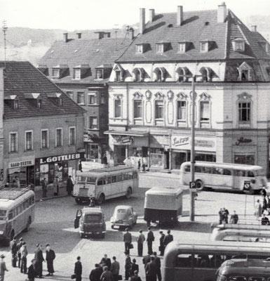 Dudweiler Marktplatz in den 1960er Jahren
