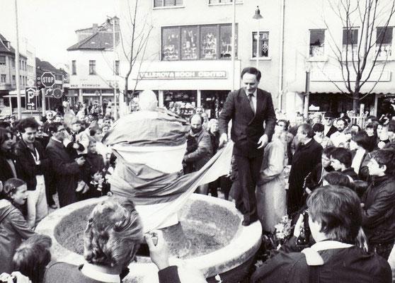 Einweihung Marktbrunnen durch OB Oskar Lafontaine