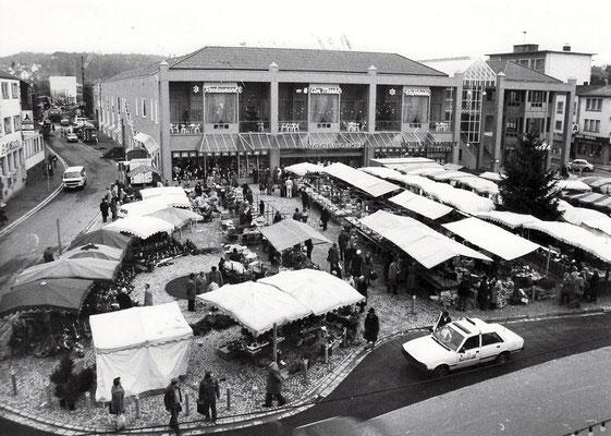 Marktplatz Dudweiler mit Stadtmittegalerie