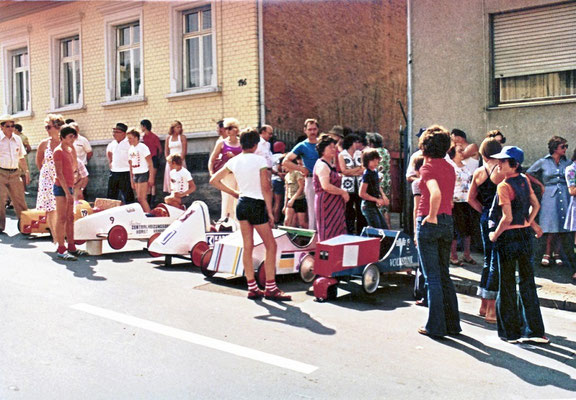 Seifenkistenrennen im Alten Stadtweg