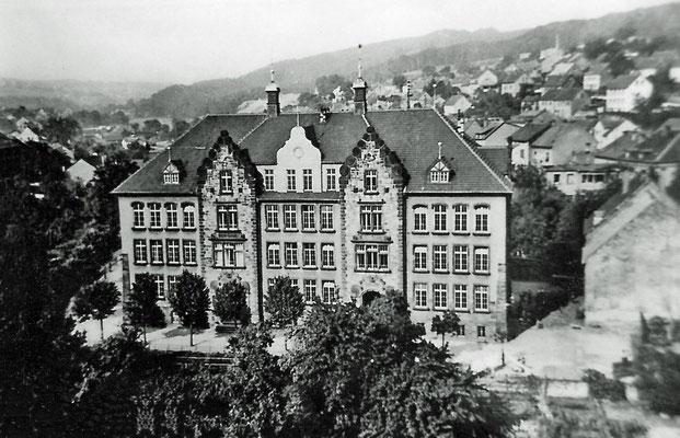 Turmschule Dudweiler um 1950, noch im Originalzustand
