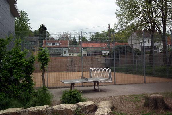 Turmschule Dudweiler Bolzplatz Tischtennis